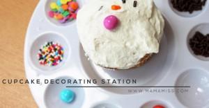 CUPCAKE DECORATING STATION | @mamamissblog #diy #cupcake #geniusidea #kidparty
