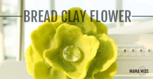 Bread Clay Flower | @mamamissblog #crafts #kidcrafts #diy #bread