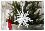 holiday: Pipe Cleaner Snowflakes {The Studio}