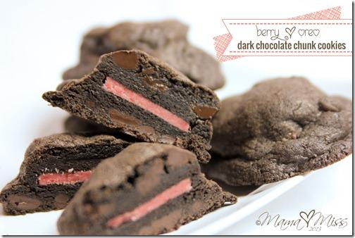 Berry Oreo Dark Chocolate Chunk Cookies http://www.mamamiss.com ©2013
