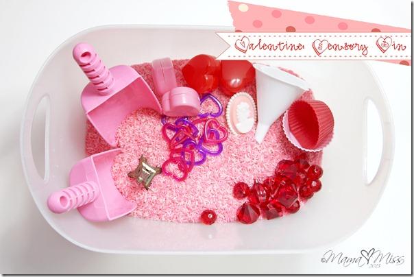 Valentine Sensory Bin https://www.mamamiss.com ©2013
