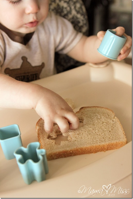 play and eat: Bread And Cutters #cookiecutters #playmatters https://www.mamamiss.com ©2013