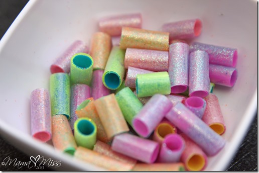 DIY Homemade Sparkling Beads #diy #glitter #kidscrafts #jewelry