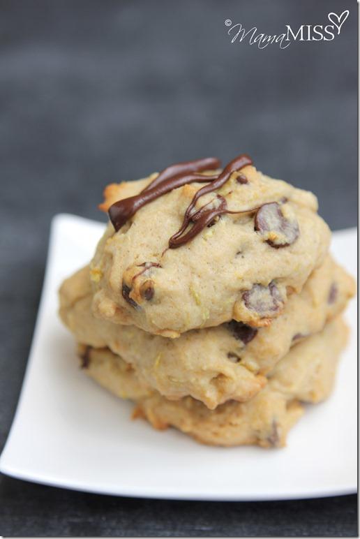 Zucchini Chocolate Chip Cookies | Mama Miss #zucchini #dessert #bake #squash
