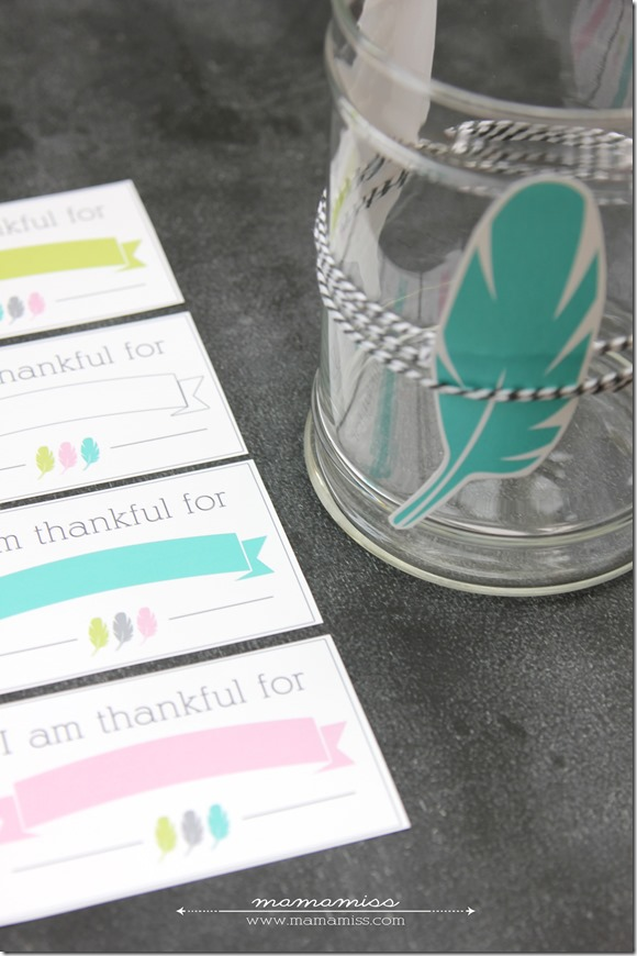 Thankful Print and Thankful Jar | @mamamissblog #thankfulactivity #thanksgiving #gratitude