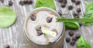 Peanut Butter Cup Power Smoothie | @mamamissblog #healthyeats #CocoaVia #peanutbutter