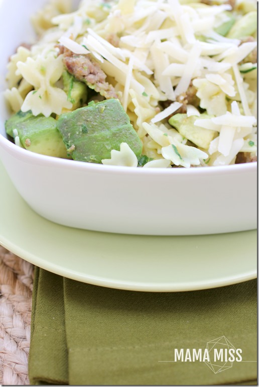 Farfalle with Sausage, Avocado, and Parmesan | @mamamissblog #easyweeknightmeal #pasta