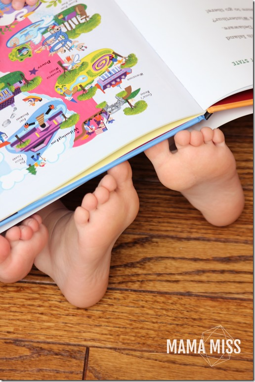 Peach Blossom Necklace | @mamamissblog #peachblossom #diy #bookingusa #bookandcraft