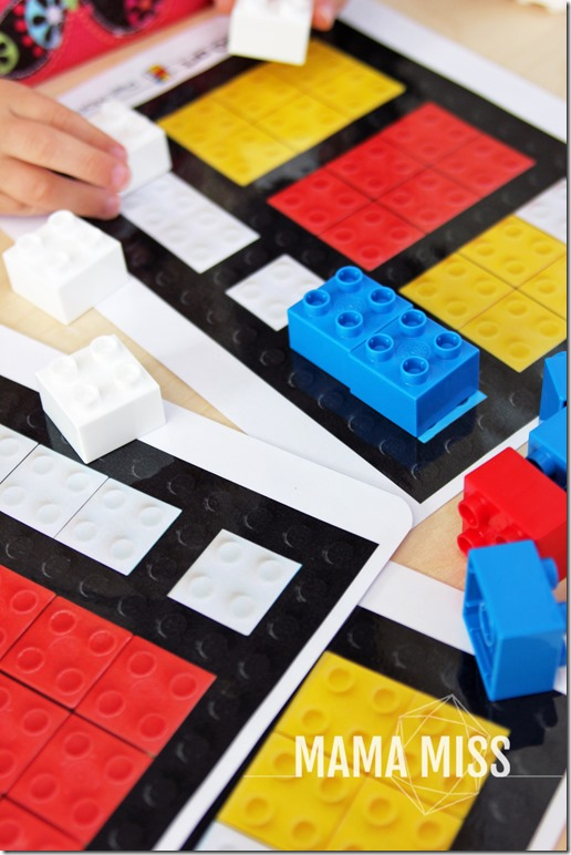 Piet Mondrian LEGO art | @mamamissblog #LEGO #DUPLO #modernartforkids #freeprintable