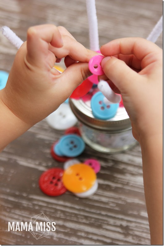 fine motor: Portable Button Play | @mamamissblog #finemotor #buttons #playmatters