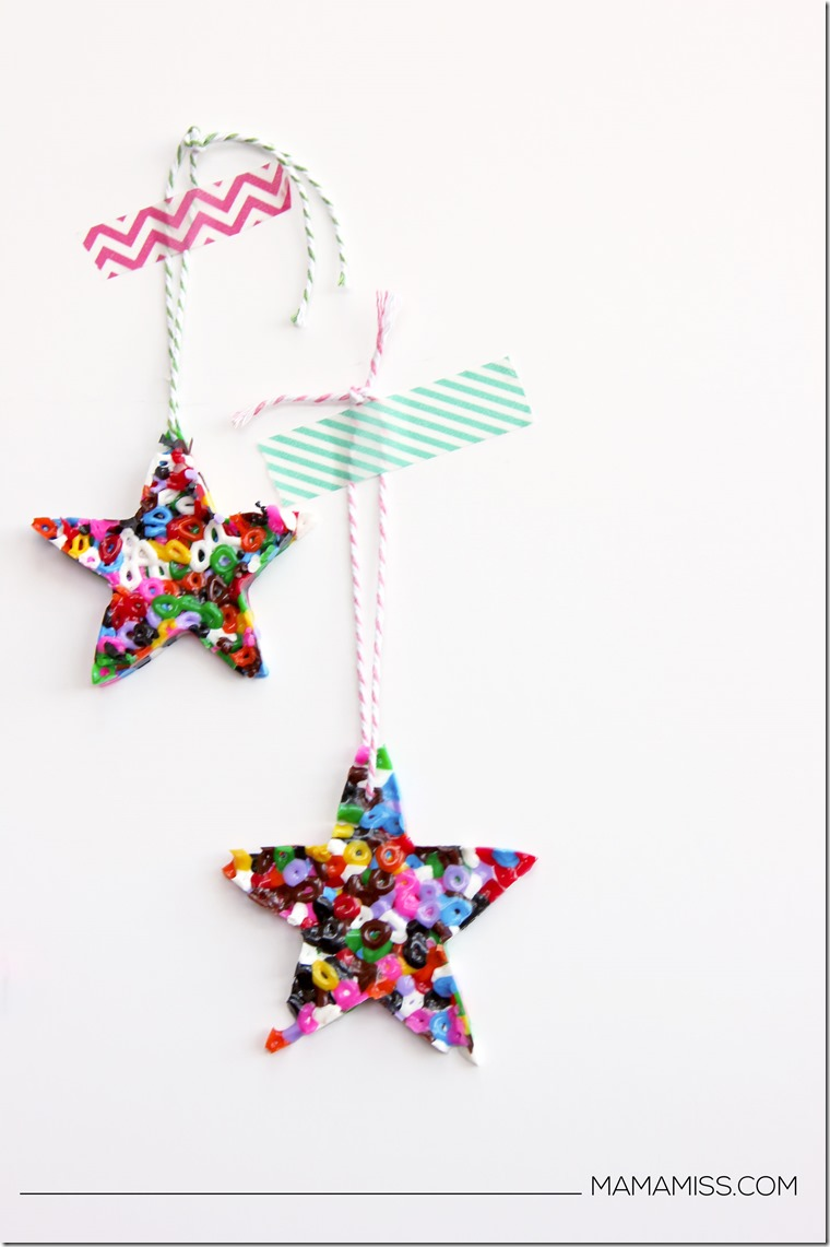 """Melted Bead Ornament to go along with the children's book """"Santa's New Jet"""" - Let's READ & CRAFT!     @mamamissblog #KidMadeOrnaments #KidMadeChristmas"""