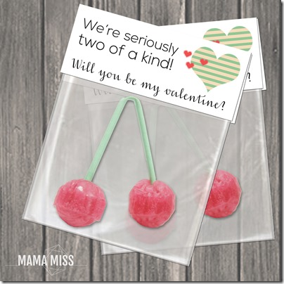 """""""Two Of A Kind"""" Valentine Printable - print & go for a quick kiddo valentine   @mamamissblog #classroom #valentines"""