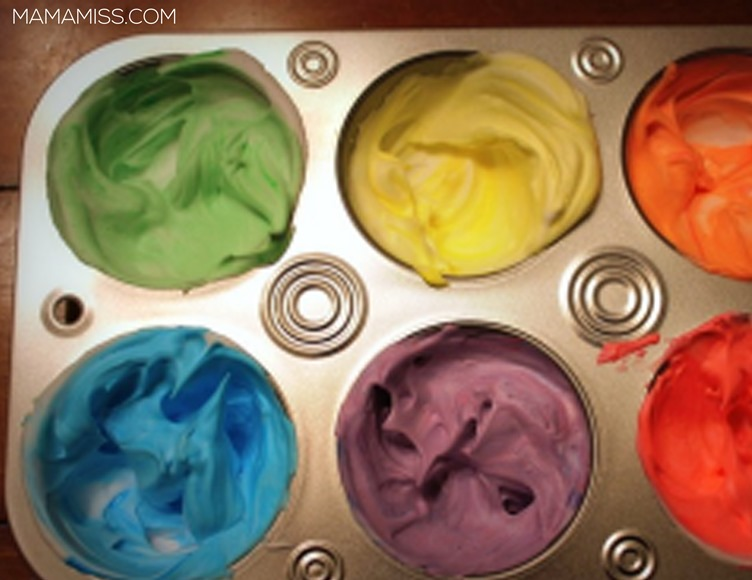 Shaving Cream Tub Paint provides kiddo creative freedom while they get their clean on…and it is an amazing, easy clean-up – just spray it down! Find it on @mamamissblog